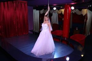 стриптиз невесты