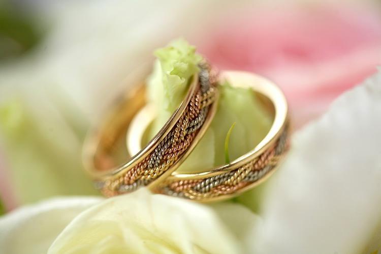 Разновидности обручальных колец свадьбе
