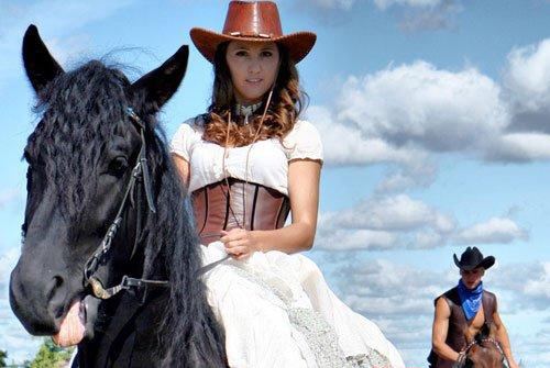 Чем заменить каравай на ковбойской свадьбе