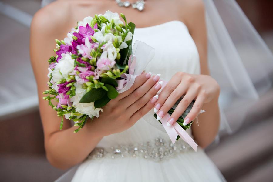 Букеты невесты красно розовые