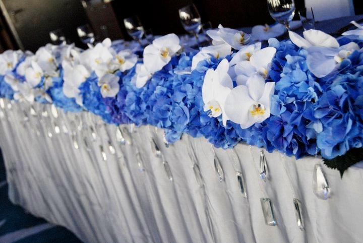 Свадебные платья и костюмы в сочетании