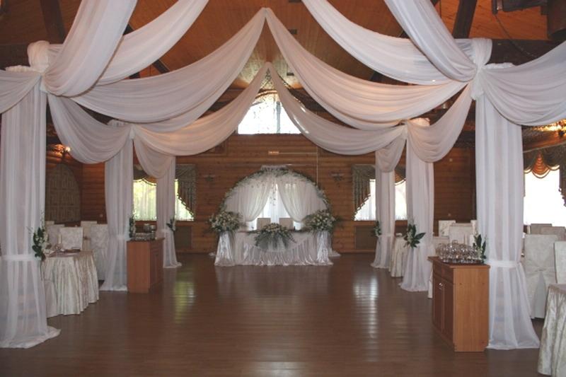 Украшение потолка на свадьбу