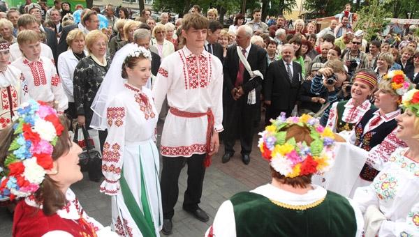 Как проводились свадбы ранше в Беларусии?