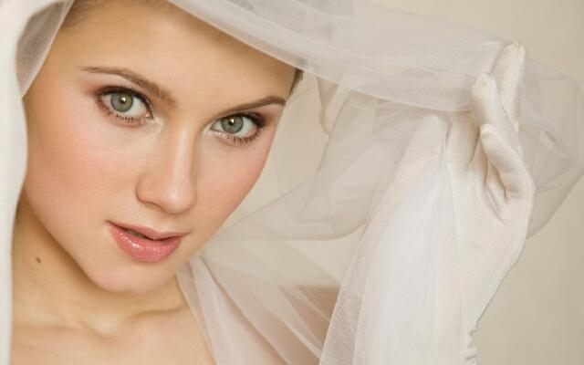 Как наносить свадебный макияж?