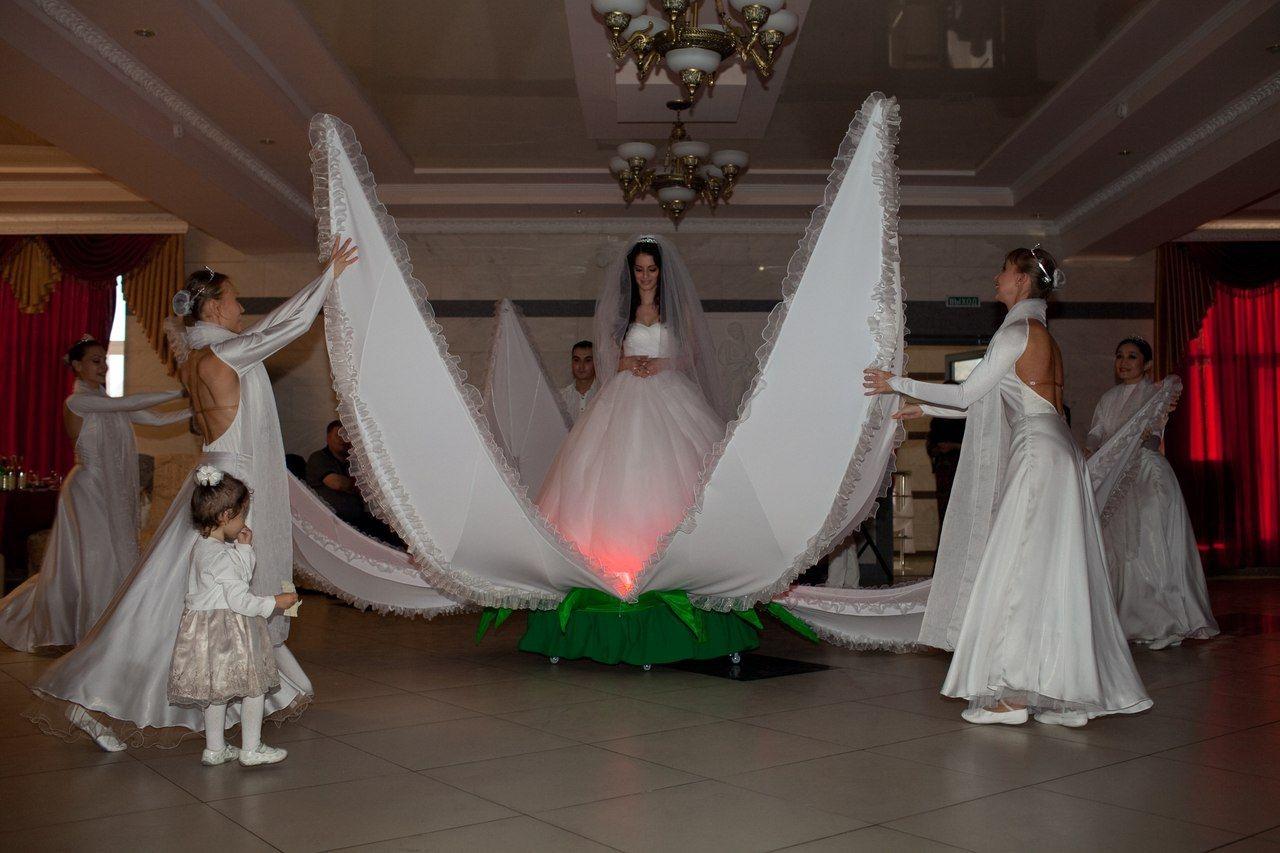 Невеста на байкерской свадьбе
