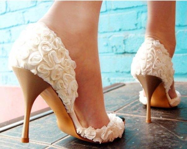 Усадить по ноге кожанные туфли