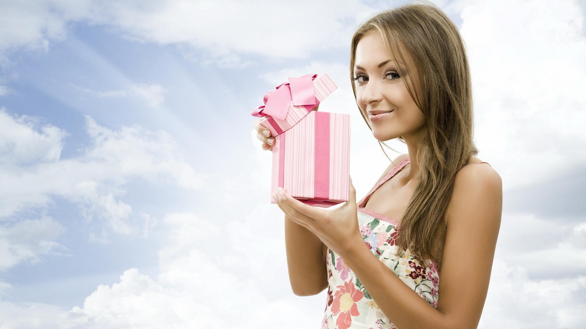 Что подарить супруге на годовщину свадьбы?