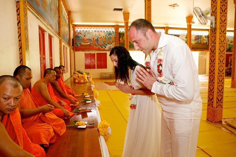 Как происходит женитьба у Буддистов?