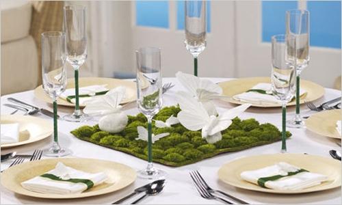 Маленькие букетики для Сервировки свадебного стола