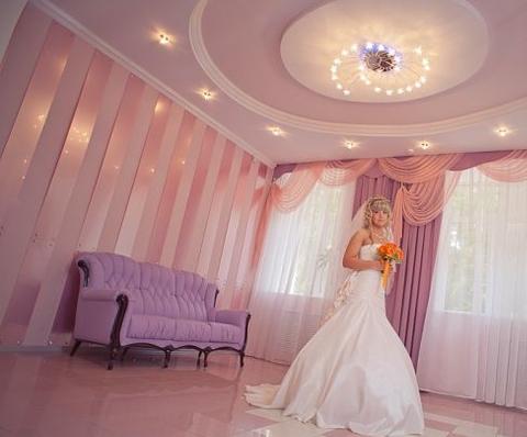 Как украсить комнату невесты перед свадьбой?