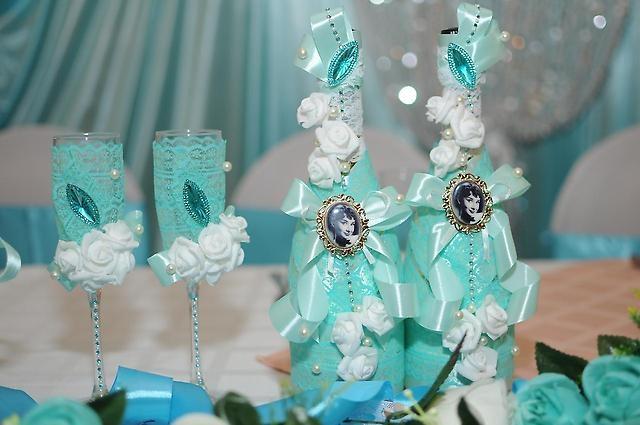 Мятная свадьба жених в белом