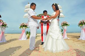 Свадебный костюм на пляж