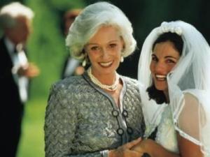 Как стильно выглядеть на свадьбе родителям?