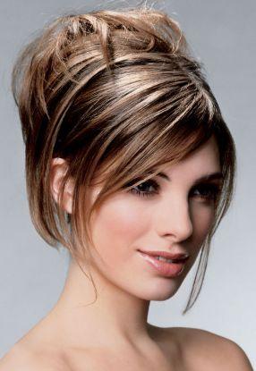 Собранные волосы средней длины
