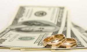 Что оплачивает жених на свадьбе?
