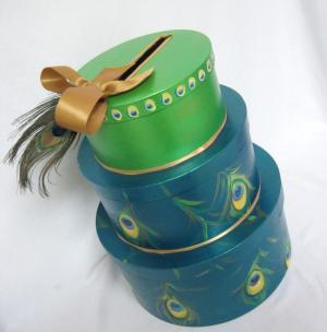 Перья настоящие в торте