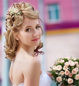 Прически на волосы по плечи свадебные
