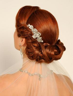 Рыжеволосые девушки в свадебных платьях образы