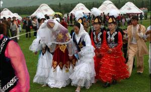 Платья для казахов в Москве