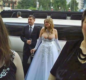 Невесты с нелепым декольте