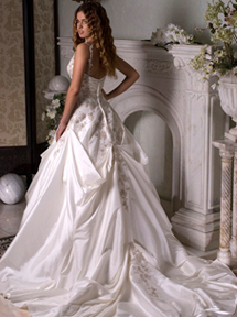 Свадебные платья до15 тысяч н Новгород