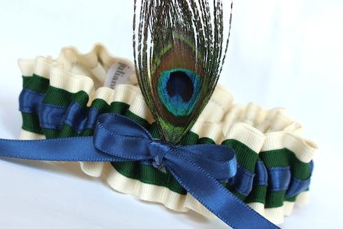 Свадебное платье перья