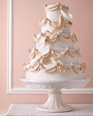 Свадебные торты на подставке