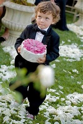 Ангелочек на свадьбе