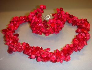 Как празнуют кораловую свадьбу?