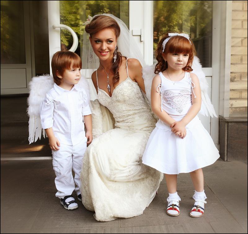 Свадебные платья на доме 2