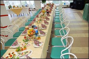 Какой можно накрыть стол на сватовство?