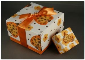 Как красиво упаковать свадебный подарок?