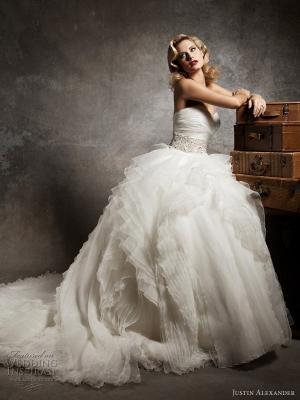 Платье в стиле одри хепберн