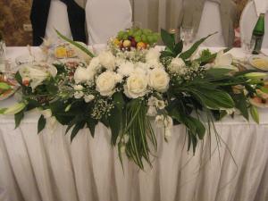 Композиции из искусственных цветов на свадьбу