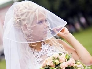 Прическа невесты для нижнего роста